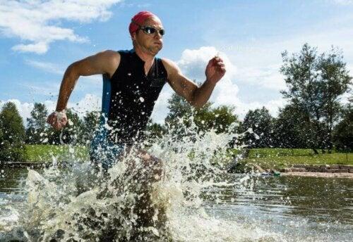 Bir triatlonda yarışmak, zaman ve sorumlulukla karşı karşıya olan bir görevdir.