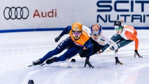 Hız pateni sporcuları.