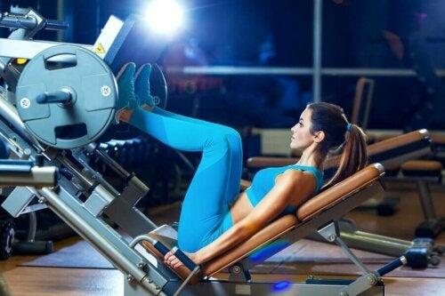 Bu egzersiz rutini bacaklar için harika