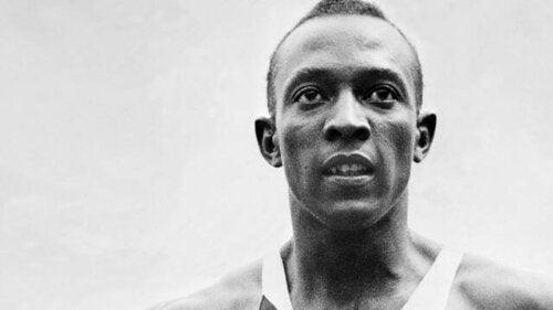 Jesse Owens'ın bir fotoğrafı.