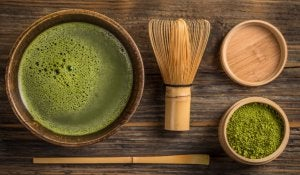 Elements for making green tea.