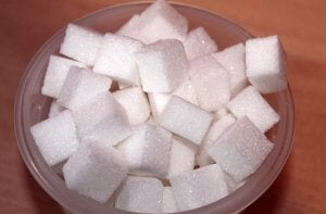 Bowl with sugar cubes.