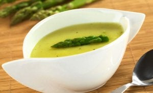 Asparagus creamy soup