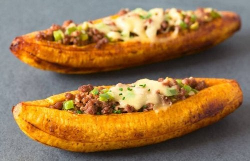 Plantain stuffed with meat