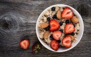 A bowl of yogurt and fruits