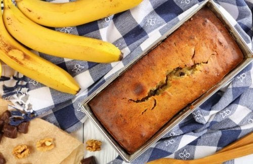 Banana bread is a delicious option.