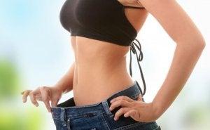 Woman losing weight Yo-Yo effect.