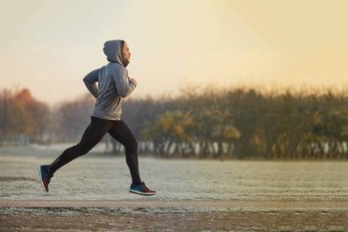 Man running outside cardio slim your waist exercise