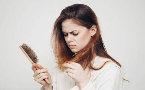 woman hair loss lack of protein