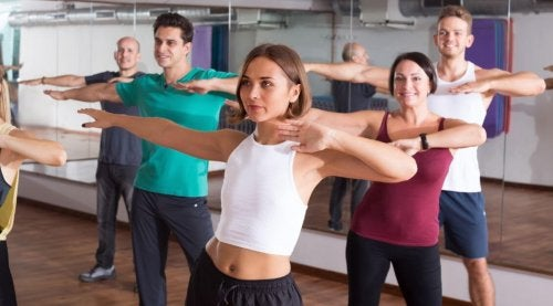 Flamenco fitness promotes the release of serotonin.