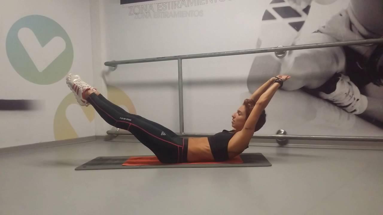 woman abdominal hollow plank