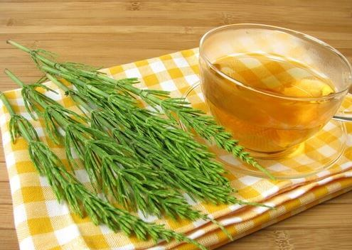 A cup of valerian infusion to burn fat while you sleep