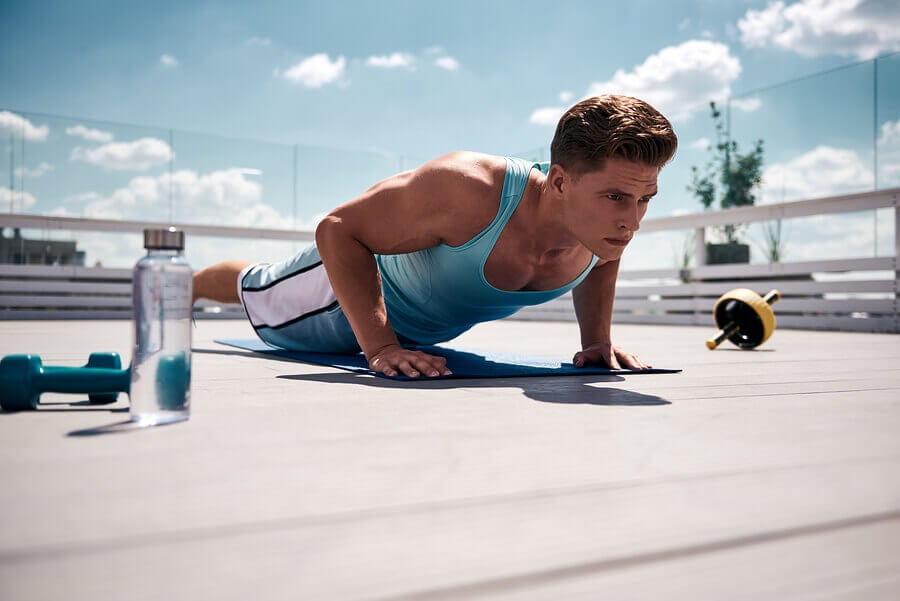 Close Grip Push-ups to Tone the Triceps