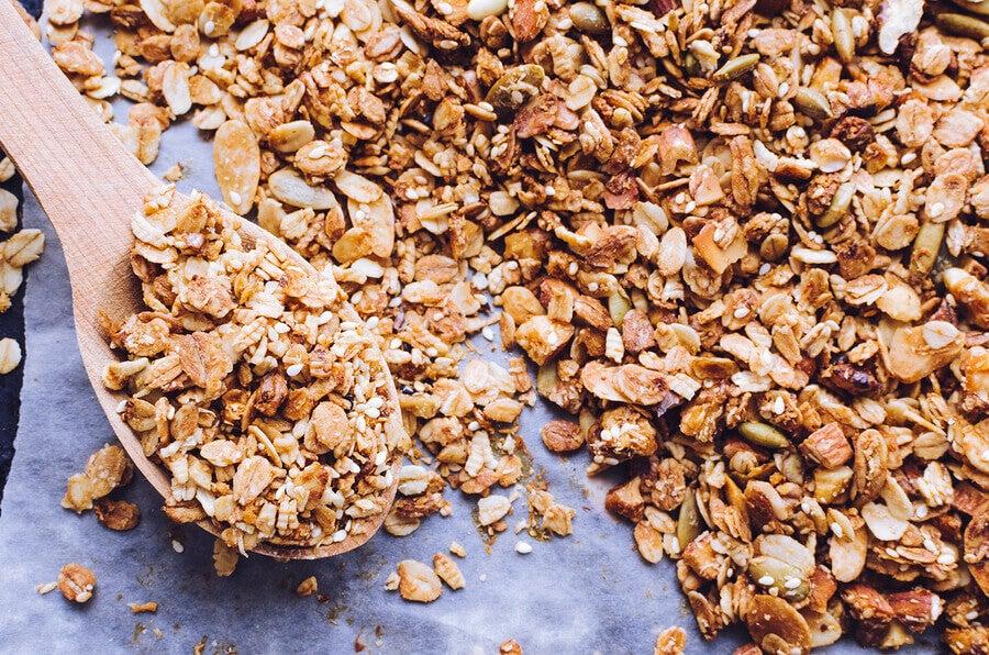 breakfast fiber granola