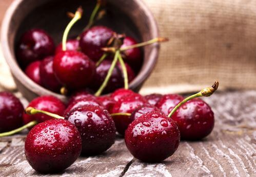 A bowl of cherries to alleviate muscle soreness