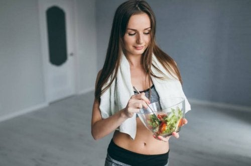 Woman eating a salad muscle deterioration