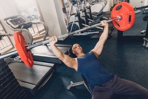 Training tips for hypertrophy: bench presses