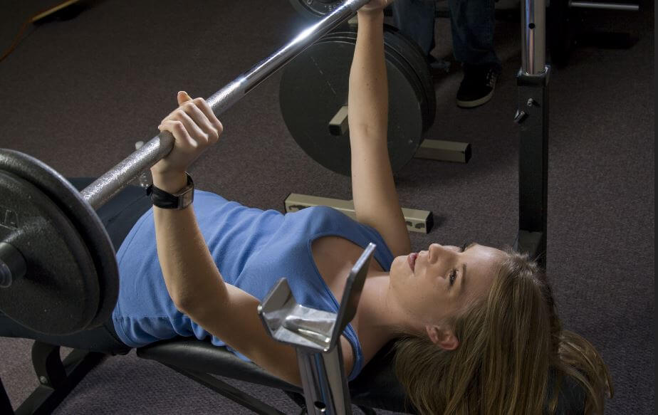Bench press exercises to strengthen the breast