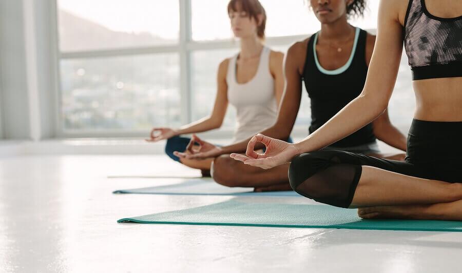 How Does Yoga Have An Effect on Rheumatoid Arthritis?