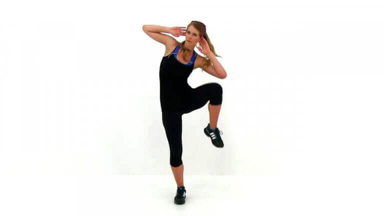 Woman doing a pike crunch