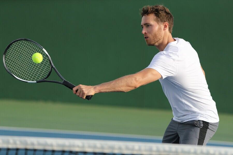 backhand tennis technique