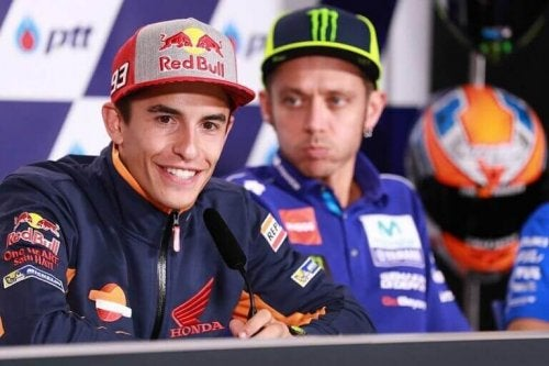 Rossi and Marquez of motorsports to support the text