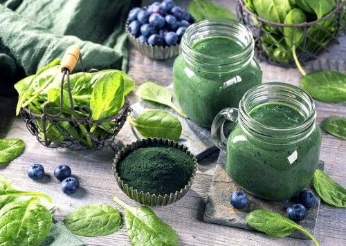 Spirulina has many vitamins.