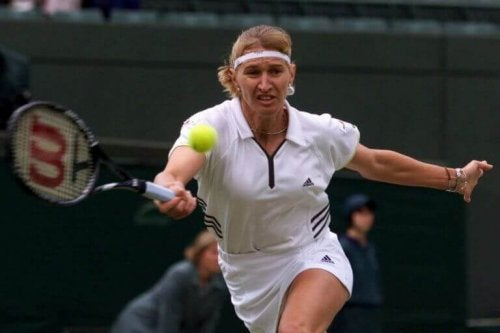 Steffi Graf, on of the best women tennis players on the court supporting text