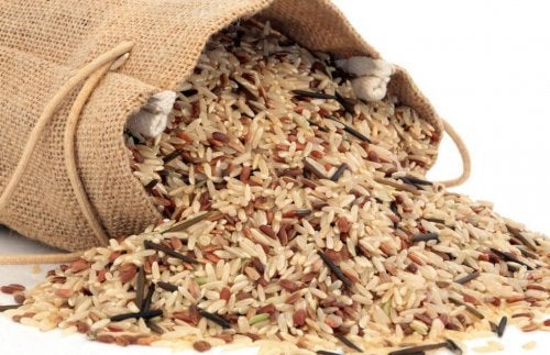 Whole grain rice in a sack.
