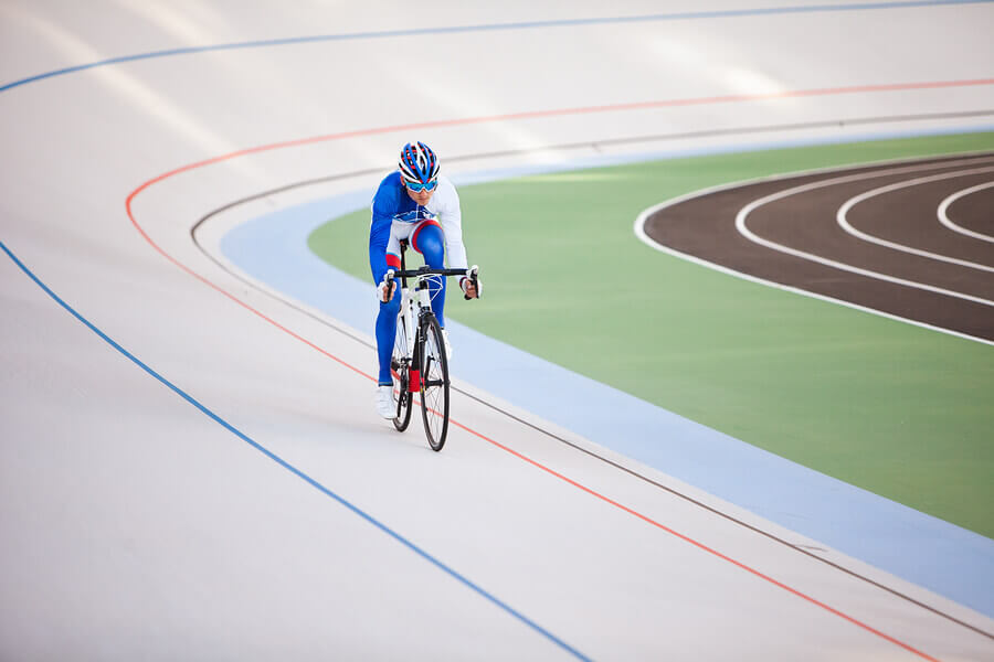 A tracking cycling competition.