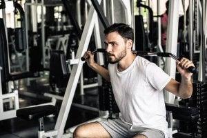 A man doing weight lifts.