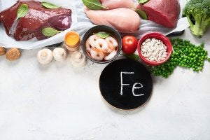 A selection of foods rich in iron for physical exercise.
