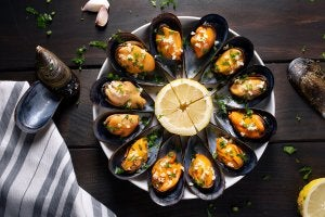 Mussels on a platter.