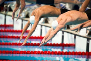 Men in swimming competition