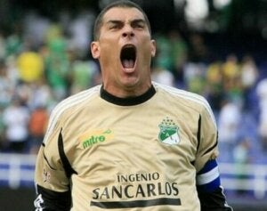 Faryd Mondragon, one of the soccer players with the longest careers.