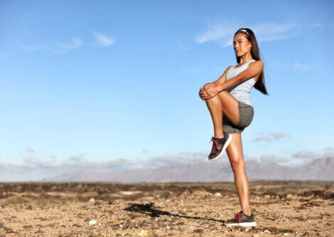 Exercises to stretch and strengthen glutes like leg extensions are shown here.